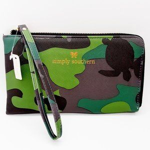 Simply Southern Leather Wristlet CAMO